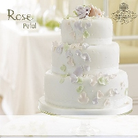An Exclusive Fiona Cairns Wedding Cake Design With Handmade Sugar Paste Roses And Petals From
